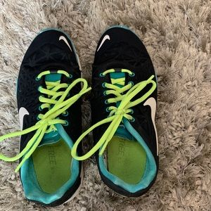 Nike Shoes - Nike tr fit 3